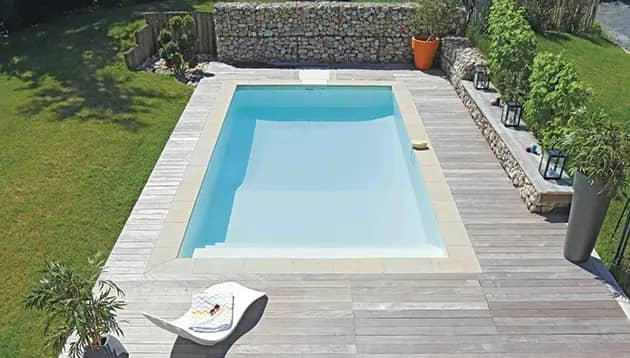 fond-poolplay-1
